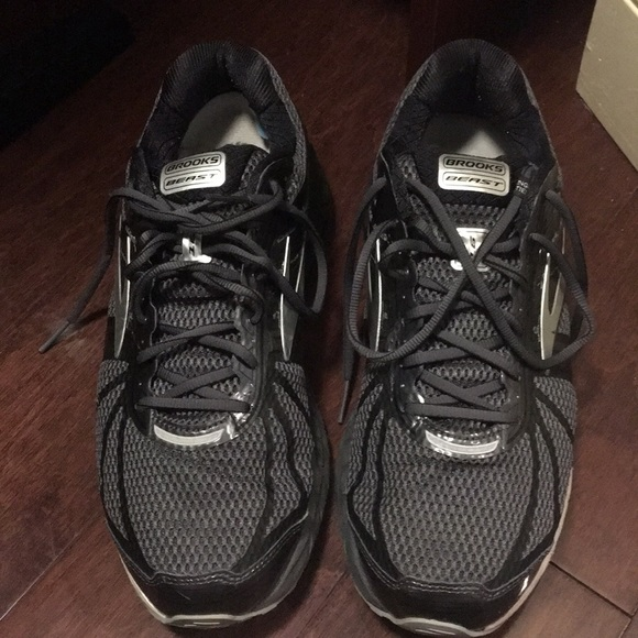 b7403851a12 Brooks Other - Brooks Beast 16 men s anthracite Black Silver